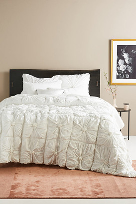 Organic Rosette Jersey Quilt By Lazybones in White Size QN TOP/BED