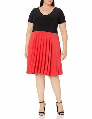 Star Vixen Women's Plus-Size Sleeve V-Neck Solid Bodice Skirt Short Dress with Curved Hemline