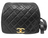 Chanel very good (VG Black Quilted Lambskin Gold CC Drawstring Flap Backpack
