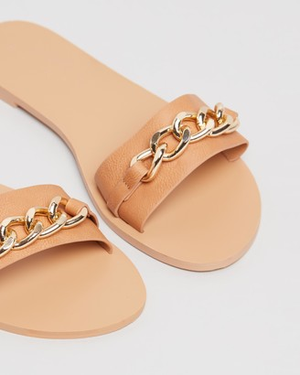Billini Cyprus Chain Detail Slides