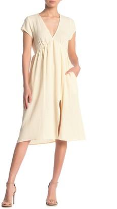 Socialite V-Neck Cap Sleeve Pebble Gauze Dress
