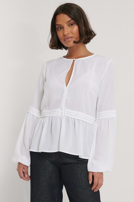 NA-KD Recycled Pleated Waist Flowy Blouse