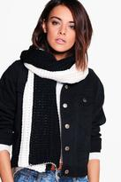 Boohoo Lottie Contrast Knitted Scarf