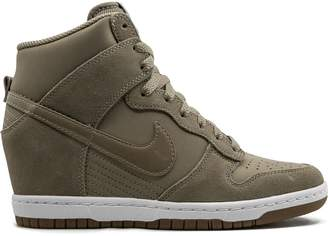 Nike Dunk Sky Hi Essential sneakers