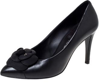 Chanel Black Leather Camellia CC Pumps Size 38