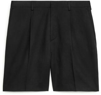Arket Loose Fit Linen Shorts