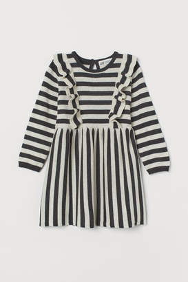 H&M Fine-knit dress with frills