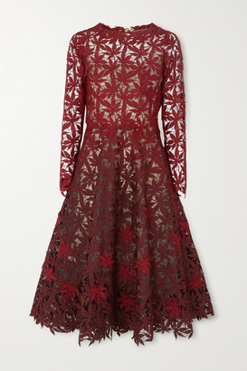 Oscar de la Renta Degrade Guipure Lace Midi Dress - Merlot