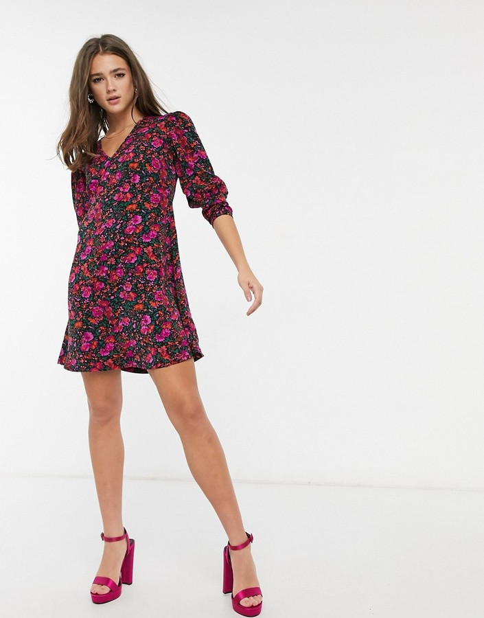 Thumbnail for your product : Qed London puff sleeve mini dress in floral print