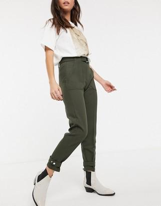Bershka d-ring belt trousers in khaki-Green