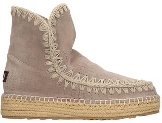 Mou Eskimo 18 Low Heels Ankle Boots In Grey Suede
