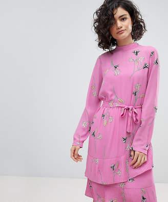 Vero Moda floral tie midi shift dress in pink