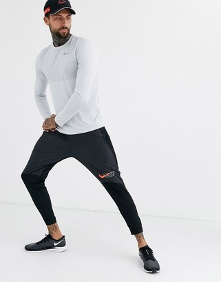 Nike Running Air Pack Phantom joggers in black