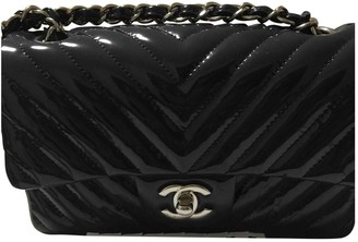 Chanel Timeless/Classique Navy Patent leather Handbags