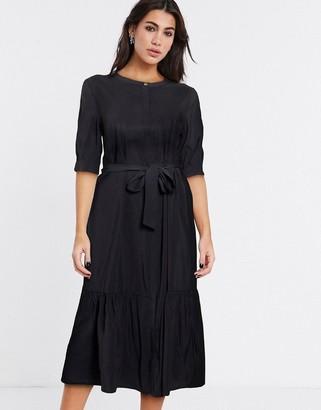 Vila tiered smock shirt dress in black