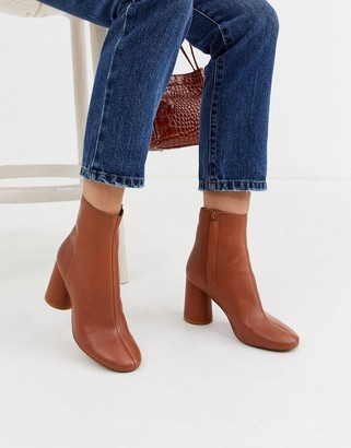 And other stories & leather round toe ankle boots in tan-Brown