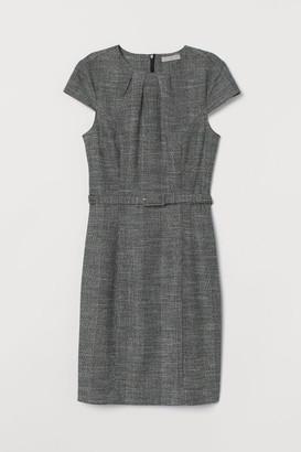 H&M Dress with a belt