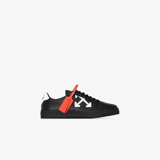 Off-White black Arrows 2.0 low top leather sneakers
