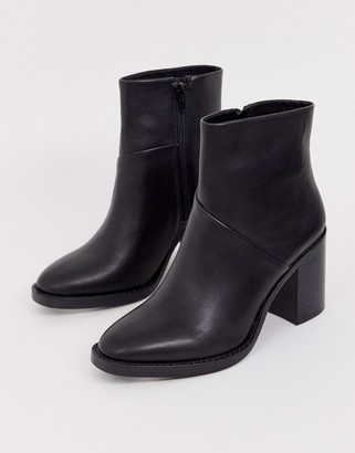 Steve Madden Tenley black leather mid heeled ankle boots