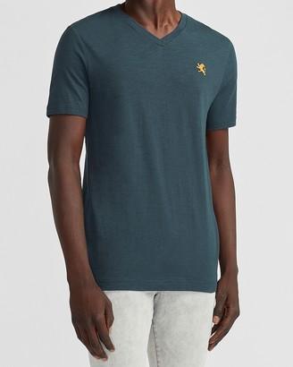 Express Small Lion Slub Cotton V-Neck T-Shirt