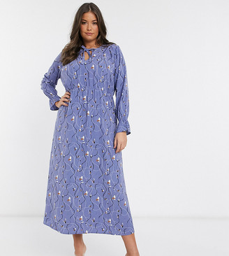Vero Moda Curve maxi smock dress in abstract print