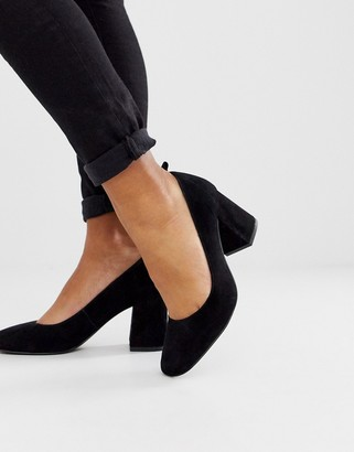 And other stories & pump round toe shoes in black suede