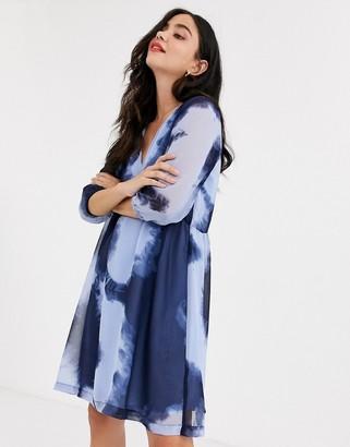 JDY Roxanne 3/4 sleeve tie die floaty dress-Blue