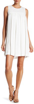 Donna Morgan Sleeveless Pleated Dress