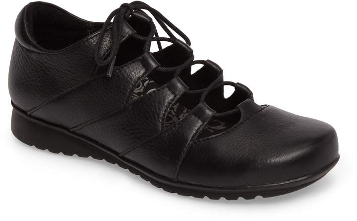 Aetrex Sienna Cutout Sneaker