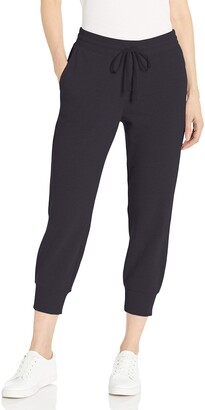Amazon Essentials Women's French Terry Fleece Capri Jogger Sweatpant