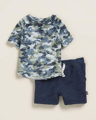 Splendid Infant Boys) Two-Piece Camo Tee & Shorts Set