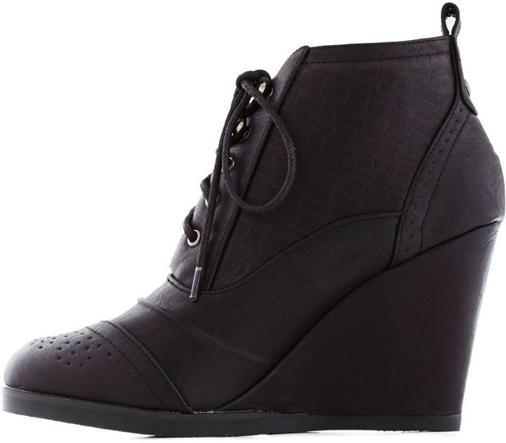 Fashion Finder Bootie in Noir