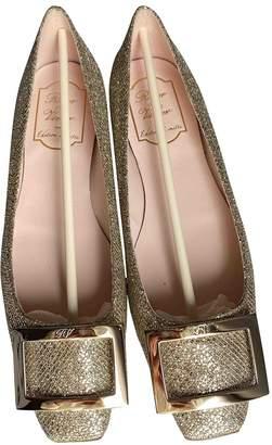 Roger Vivier Gommetine Gold Glitter Ballet flats