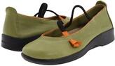 ARCOPEDICO Vitoria (Green) Women's Maryjane Shoes