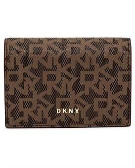 DKNY Bryant-Accrdn Card Holder-Logo