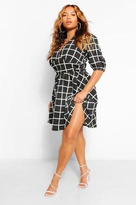 boohoo Plus Grid Print Plunge Skater Dress