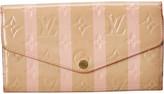 Louis Vuitton Beige Monogram Vernis Leather Sarah Wallet Nm