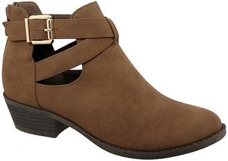 Top Moda Women's Casual boots Brown - Brown Criss-Cross Buckle Judy Ankle Boot - Women
