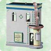 Hallmark NOSTALGIC HOUSES - THE GRAND THEATER 2003 Ornament QX8149