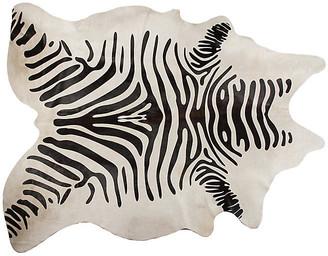 One Kings Lane Sahara Hide - White/Black - 6'x7'