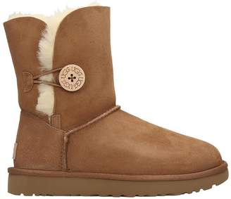 UGG Bailey Button I Low Heels Ankle Boots In Leather Color Suede