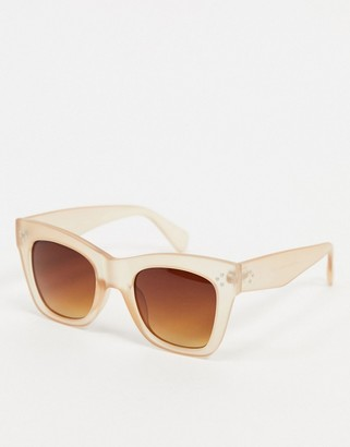 A. J. Morgan AJ Morgan Conductor oversized sunglasses in beige