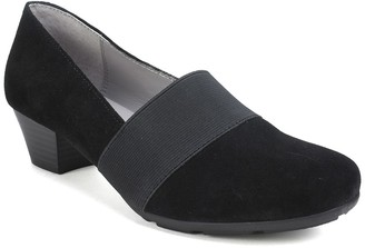 Cliffs By White Mountain Uphill Suede Block Heel Pump