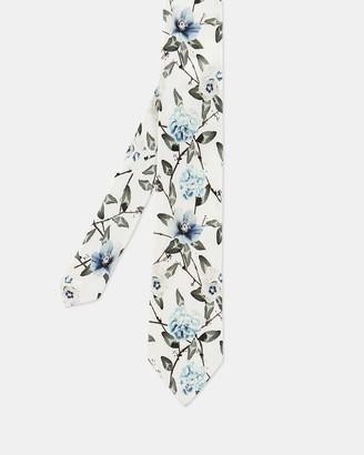 Ted Baker BENNI Floral printed silk tie