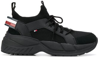 Tommy Hilfiger Logo Tape Low Top Sneakers