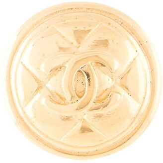 Chanel Pre Owned CC logo medallion brooch