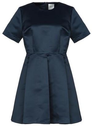 Edit Short dress