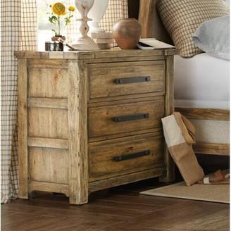 Hooker Furniture Roslyn County 3 Drawer Nightstand