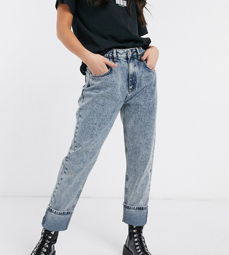 Reclaimed Vintage inspired '98 low rise hipster jean in blue acid wash
