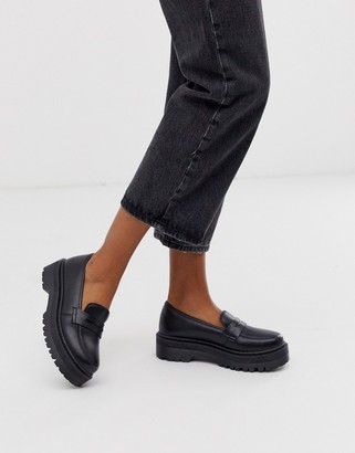 Qupid chunky loafers in black